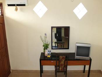 Gong Corner Homestay - Hostel Bali - Standard Room (Shared Twin Room) Regular Plan
