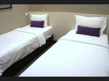 V Hotel Bencoolen - Superior Twin 2 Pax NC Hemat 5%