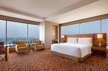 JW Marriott Medan - Deluxe Room, 1 King Bed, Business Lounge Access (Executive Deluxe) Regular Plan