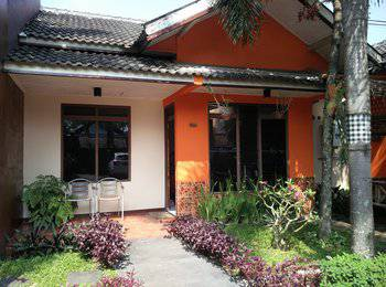 Patria Garden Hotel Blitar - Family 2 Bedroom Regular Plan