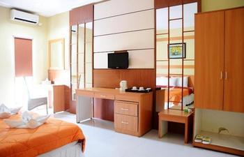 Alun Alun Gumati Resort Bogor - Superior Twin Bed Hot Deal