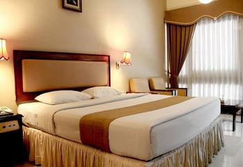 New Grand Park Surabaya - Standard Room Regular Plan