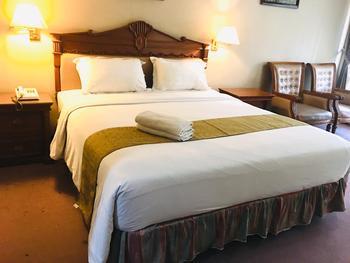 New Grand Park Surabaya - Superior Room Only Regular Plan