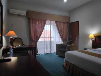 New Grand Park Surabaya - Deluxe Room Only Regular Plan