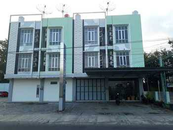 Double Tree Kost & Guest House
