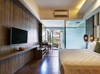 The Crystal Luxury Bay Resort Nusa Dua Bali - 2. Jacuzzi Suite Regular Plan