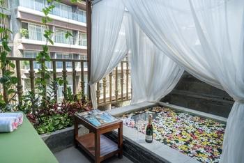The Crystal Luxury Bay Resort Nusa Dua - Bali Bali - Deluxe Balcony with Jacuzzi Pool View  FLASH SALE