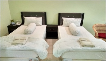 Graha Badnur Hotel Syari'ah Pekanbaru - Standard Twin Room Regular Plan