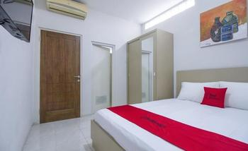 RedDoorz Plus Mas Mansyur Tanah Abang - RedDoorz Room with Breakfast Regular Plan