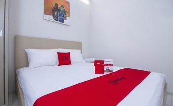 RedDoorz Plus Mas Mansyur Tanah Abang - RedDoorz Room Regular Plan
