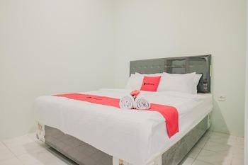 RedDoorz @ Jalan Pangeran Antasari Lampung 2 Bandar Lampung - RedDoorz Room KETUPAT
