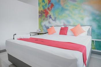 RedDoorz @ Beringin Jambi Jambi - RedDoorz Room with Breakfast Best Deal