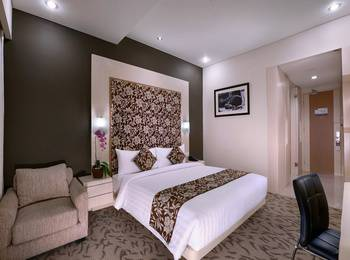 Quest San Hotel Denpasar - Deluxe Room Regular Plan