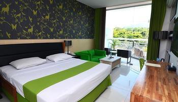 Hotel Pohon Inn Malang - Deluxe Room Regular Plan