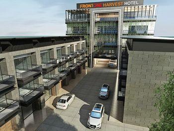 Front One Harvest Hotel Wonosobo Wonosobo - Deluxe Balcony - Breakfast Regular Plan