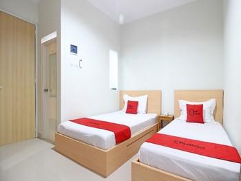 RedDoorz near AMIKOM Yogyakarta Yogyakarta - RedDoorz Twin Room Basic Deal