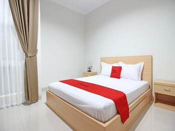 RedDoorz near AMIKOM Yogyakarta Yogyakarta - RedDoorz Room with Breakfast Regular Plan