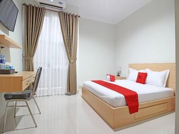 RedDoorz near AMIKOM Yogyakarta Yogyakarta - RedDoorz Room Basic Deal