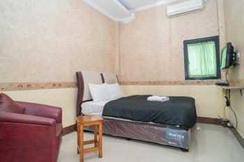 Hotel Transit Nusa Indah Tangerang - Deluxe Room Gajian