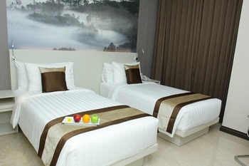 Horison Abepura Jayapura - Deluxe Twin Room Regular Plan