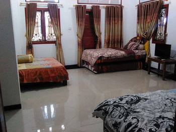 Prima Guesthouse Syariah Padang - Edelweiss Regular Plan