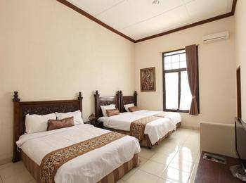 De Halimun Guest House Bandung - Family Room 4 Persons Regular Plan