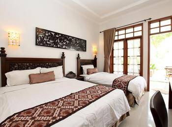 De Halimun Guest House Bandung - Family Room 3 Persons Regular Plan