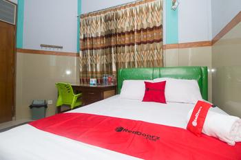 RedDoorz Syariah near Alun-Alun Bojonegoro Bojonegoro - RedDoorz Room AP1