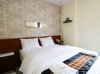 Hotel Celvasha Jakarta - Deluxe Room Only Regular Plan