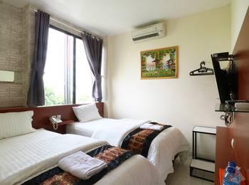 Hotel Celvasha Jakarta - Deluxe Twin Room with Breakfast Regular Plan