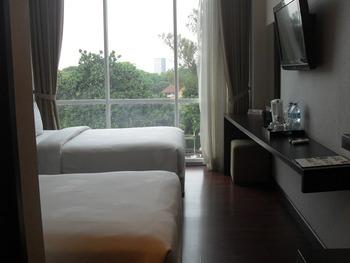 Oasis Siliwangi Sport Hotel Bandung - Deluxe Twin 2 Single Bed Pool View Regular Plan