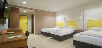 Hotel Bintang  Balikpapan - TripleBed Room Kalimantan Deals