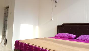 Kavie Hostel Malang - Deluxe Room  Regular Plan