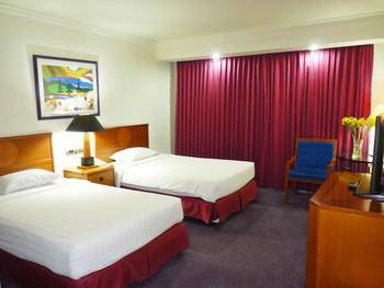 Surabaya Suites Hotel Plaza Boulevard - Junior Suite Twin/King Room Only Regular Plan