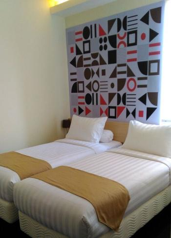 Front One Inn Kediri Kediri - Superior Twin Room Only Regular Plan
