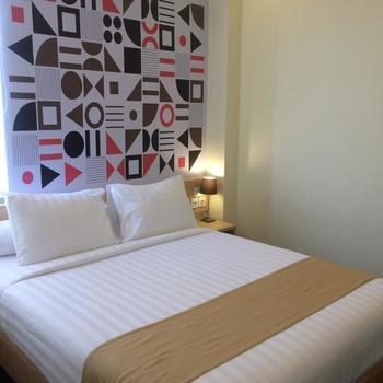 Front One Inn Kediri Kediri - Superior Double With Breakfast Regular Plan