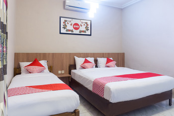 OYO 942 Srikandi Hotel Pacitan - Suite Family Regular Plan