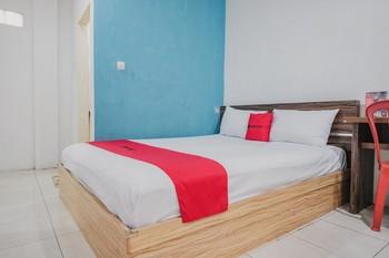 RedDoorz near Tugu Pers Jambi Jambi - RedDoorz Room Basic Deal