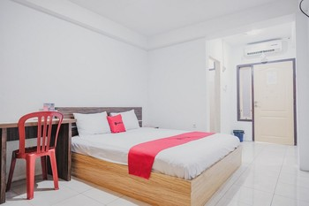 RedDoorz near Tugu Pers Jambi Jambi - RedDoorz Premium Basic Deal