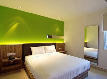 Zoom Hotel Jemursari Surabaya - Comfort King Room Only Transit King c/i 08.00 - c/o 14.00 Regular Plan