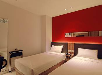 Zoom Hotel Jemursari Surabaya - Sleeping Twin Room Regular Plan