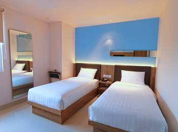 Zoom Hotel Jemursari Surabaya - Sleeping Twin Room Only Regular Plan