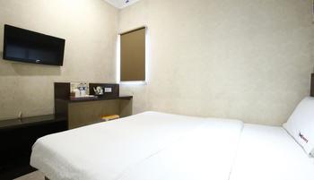 RedDoorz @Gajah Mada Jakarta - Reddoorz Room Regular Plan