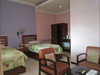 Nirwana Hotel Bojonegoro Bojonegoro - Suite Regular Plan
