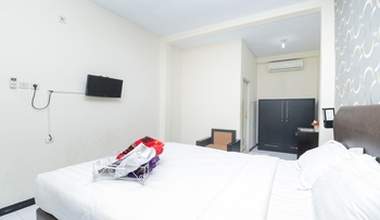 Seven Dream Syariah Hotel Jember - Orchid Room Regular Plan