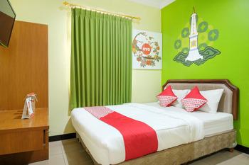 OYO 512 Ndalem Mantrijeron Hotel