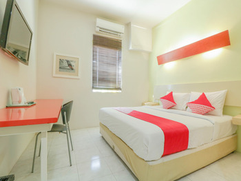 OYO 2253 Flagship The Sunrise Sanur Bali - Standard Double Room Regular Plan