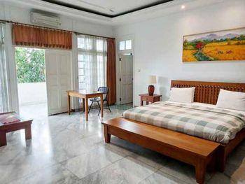 La Rengganis Guest House Bogor - Suite Room Best Deal