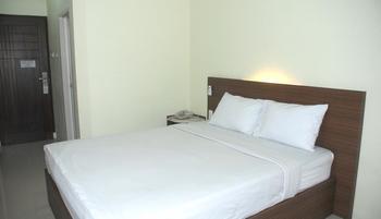 Avon's Residence Manado - Standard Room With Breakfast Regular Plan