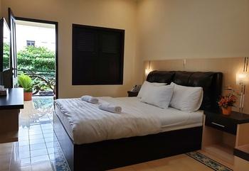 Malioboro Place Yogyakarta - Fuschia Room ( Kamar Mandi Bersama ) Staycation19